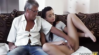 DADDY4K. Cock of mature dad satisfies girl's need in good...