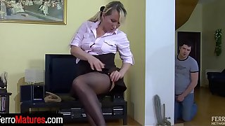 Blond mom fits on black hose and reveals red undies while going for a score