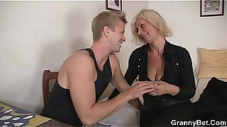 Old blonde rides his stiff rod