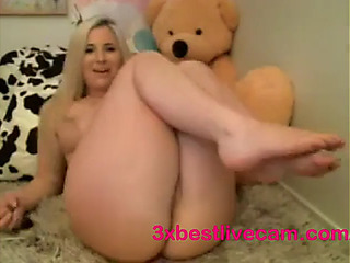 Mother I'd Like To Fuck filthy talk whilst masturbating
