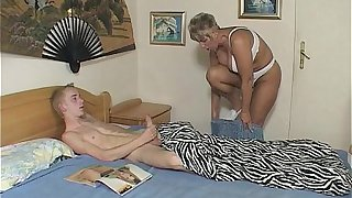 Stepmom gives better option for catching stepson with porn