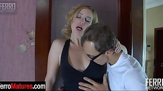 Passionate mature getting throat fucked and pussy pounded by a youngster