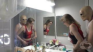 Hallowen allien mask girlfriend